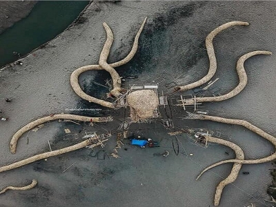 Giant octopus appears on Berawa beach for the upcoming Arts Festival , May 23 rd 26 th 2019.