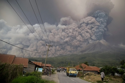 Flight warnings after eruption of Mount Sinabung volcano on Sumatra island
