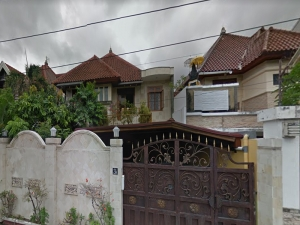Two criminals mistreated housekeeper during robbery on luxury property in Denpasar